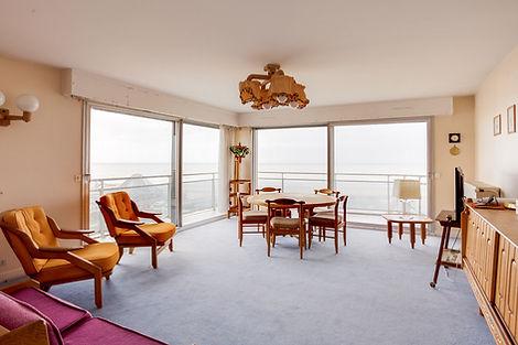 séjour appartement au Touquet face mer et vendu par Story's Immobilier