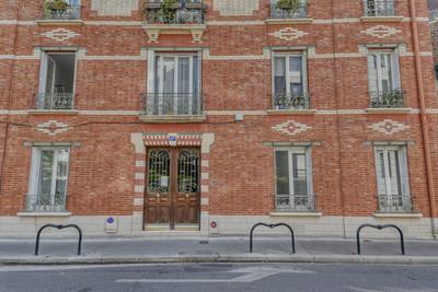 Façade appartement à vendre à Courbevoie par Story's Immobilier