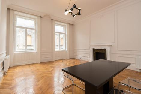 Salle à manger appartement de luxe avenue Andrássy à Budapest vendu par Story's Immobilier