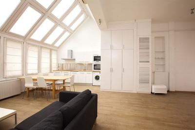 Séjour appartement à Budapest rue Vaci vendu par Story's