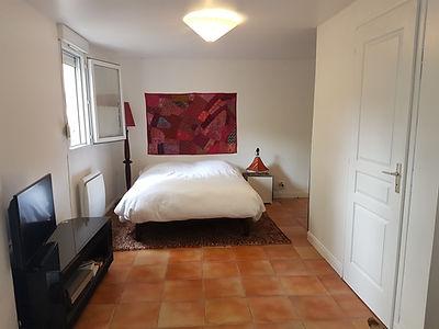 Chambre et jacuzzi maison en face du golf d'Hardelot vendue par Story's Immobilier.