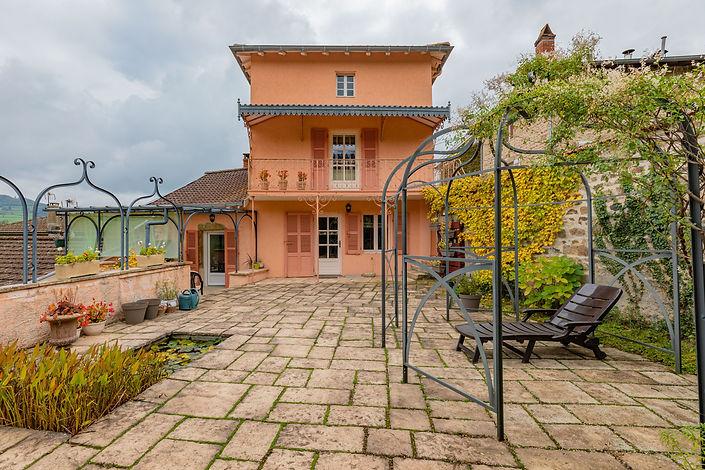 Façade maison à vendre dans le Clunisois par Story's Immobilier