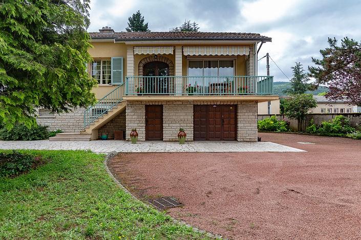 Façade villa vendue dans le centre de Cluny par Story's Immobilier