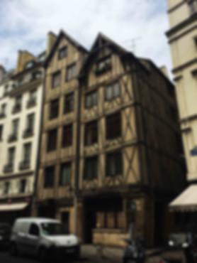 Façade immeuble Paris Moyen Age François Miron