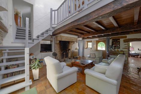 Séjour maison vendue dans proche de Cluny secteur Valouzin par Story's immobilier