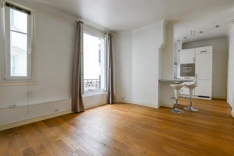 Salon appartement vendue par Story's rue Mademoiselle à Paris