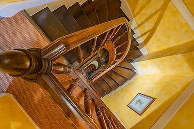 Escalier maison à vendre dans le Clunisois par Story's Immobilier