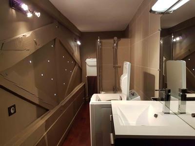 Salle de bains appartement vendue par Story's Immobilier au Westminster au Touquet Paris Place