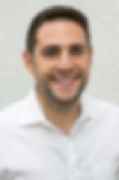 Ari Headshot new.jpg