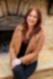 Lindsay Headshot.jpg