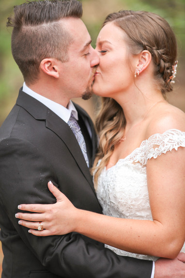 Couples kissing