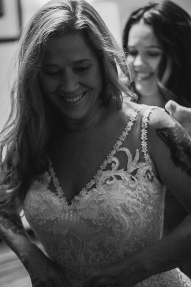Local wedding photography wedding day getting ready photos