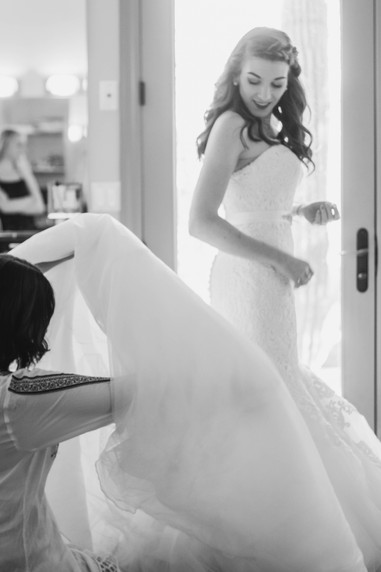 Local wedding photography bride getting ready