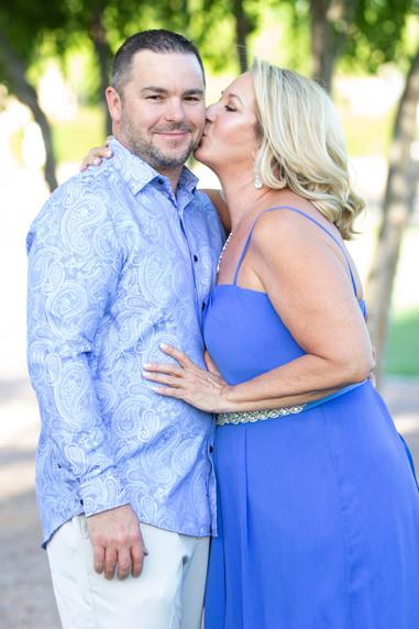 Backyard wedding couple phtography