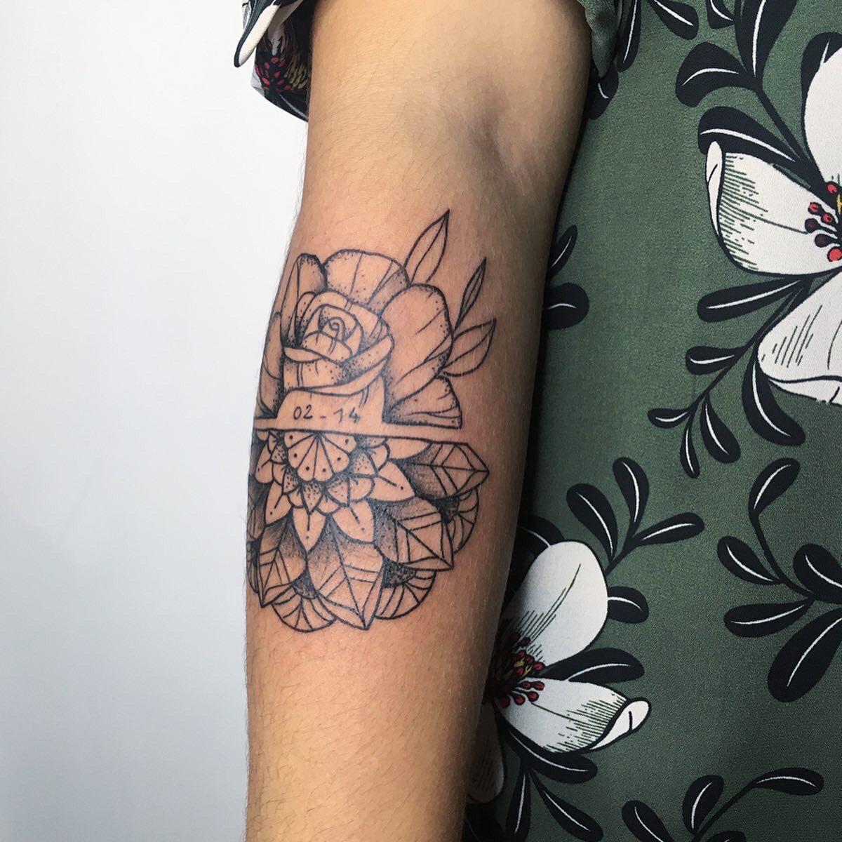 lindelebile-tattoo-pau-fleurs