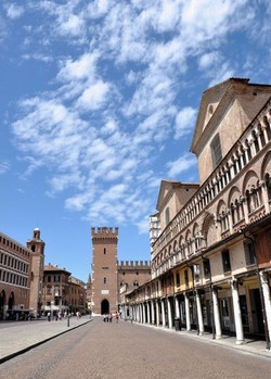 100734_piazza_trento_e_trieste_ferrara