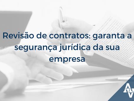 Revisão de contratos de prestação de serviço: garanta a segurança jurídica da sua empresa