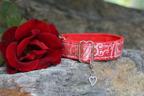 Small red brocade collar