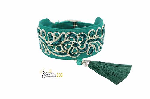 Kannus collar with tassel