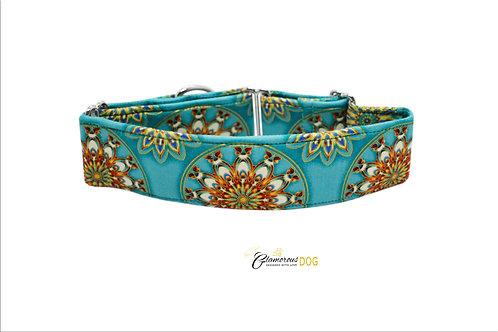 Adjustable turquoise collar
