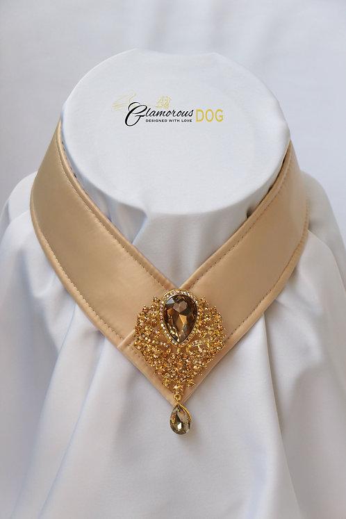 Límeček béžový zdobený šperkem