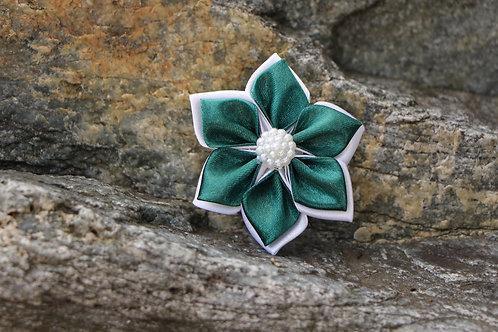 Elegant cadmium green