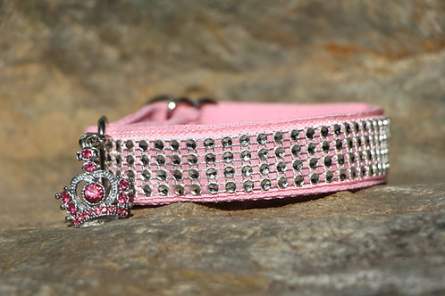 Small pink decorated collar
