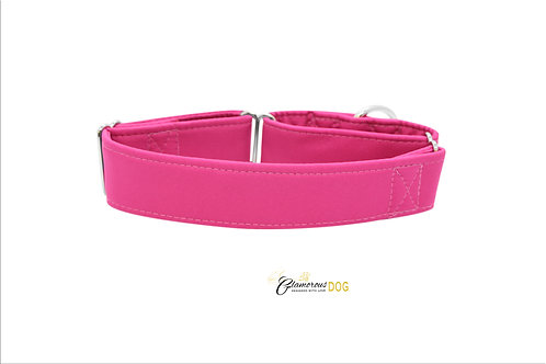 Adjustable softshell collar pink with the possibility of a leash