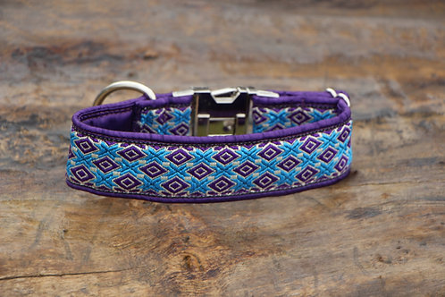 Purple collar with side release bruckle