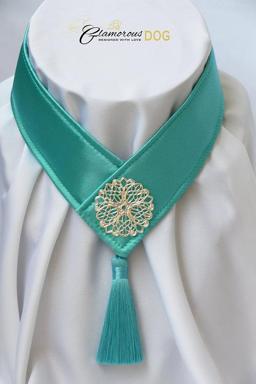 Límeček zeleno-modrý zdobený kovovou destičkou 2