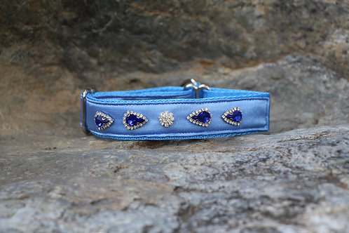 Small blue beaded collar