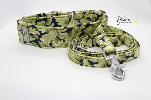 Collar with leaves