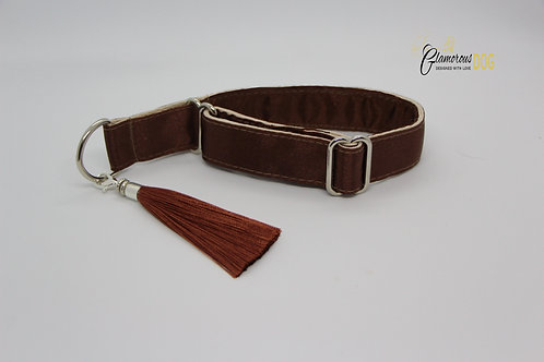 Brown collar with tassel