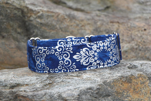 Blue & silver collar