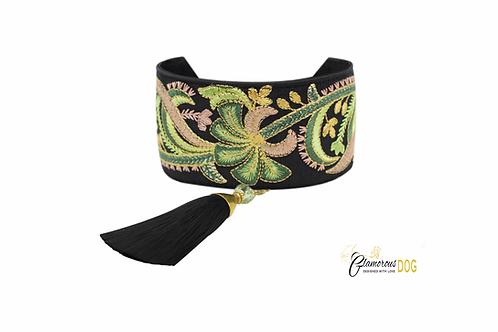 Vienna 2 collar with tassel