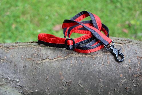Vodítko půlené červeno-černé