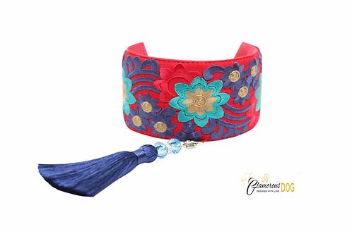 London collar with tassel