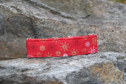 Red collar with pattern