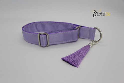 Light purple collar with tassel