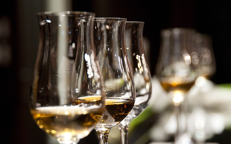 wine-glasses-1246240_960_720.jpg