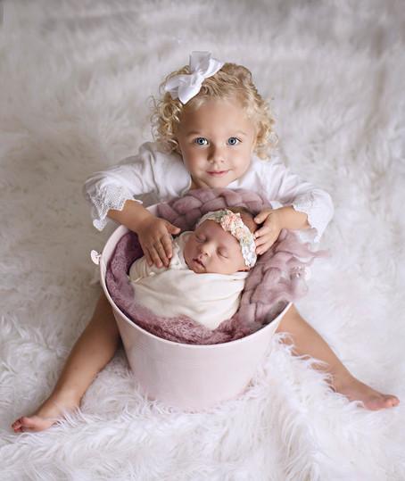 Emmie & Ellie