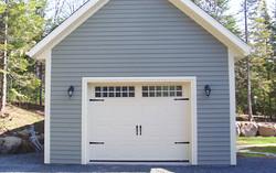The Rustic garage door (Tiles 6x2)