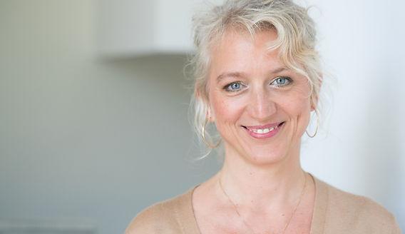 Sandra von Iris Frontal.jpg