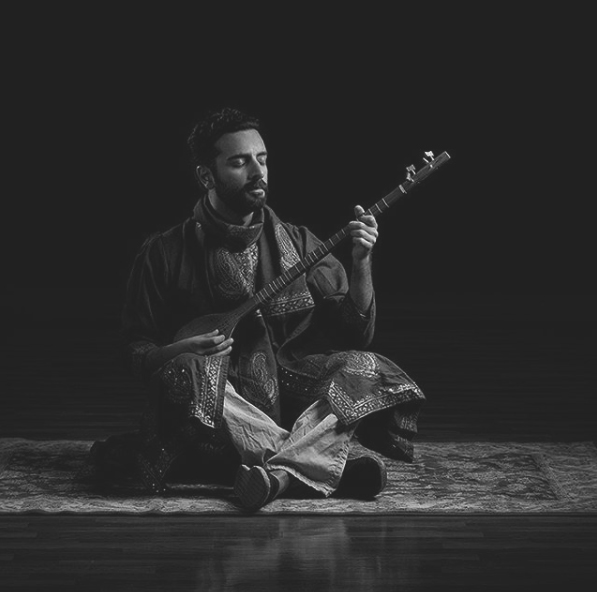 Still of Arsi Nami as Sitar Player