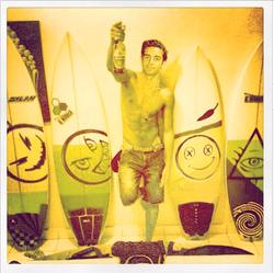 Arsi Nami surfing