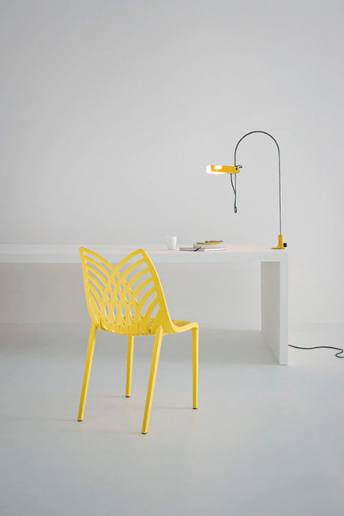 chaise la ligne actuelle la dcoupe dcorative originale du dossier vous sduira par son confort et sa facilit dentretien elle se dcline en plusieurs - Chaise Italienne Design