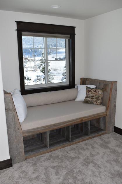 Green_Hills_Ranch-interior-Window Seat.j