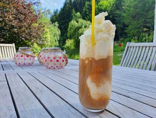 """Eiskaffee mit Aroma-Obers"""