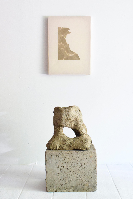 Autarky Painting and Vase Aurore Piette Studio