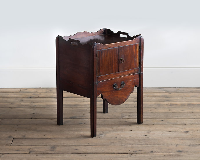 A late 18th century mahogany bedside commode